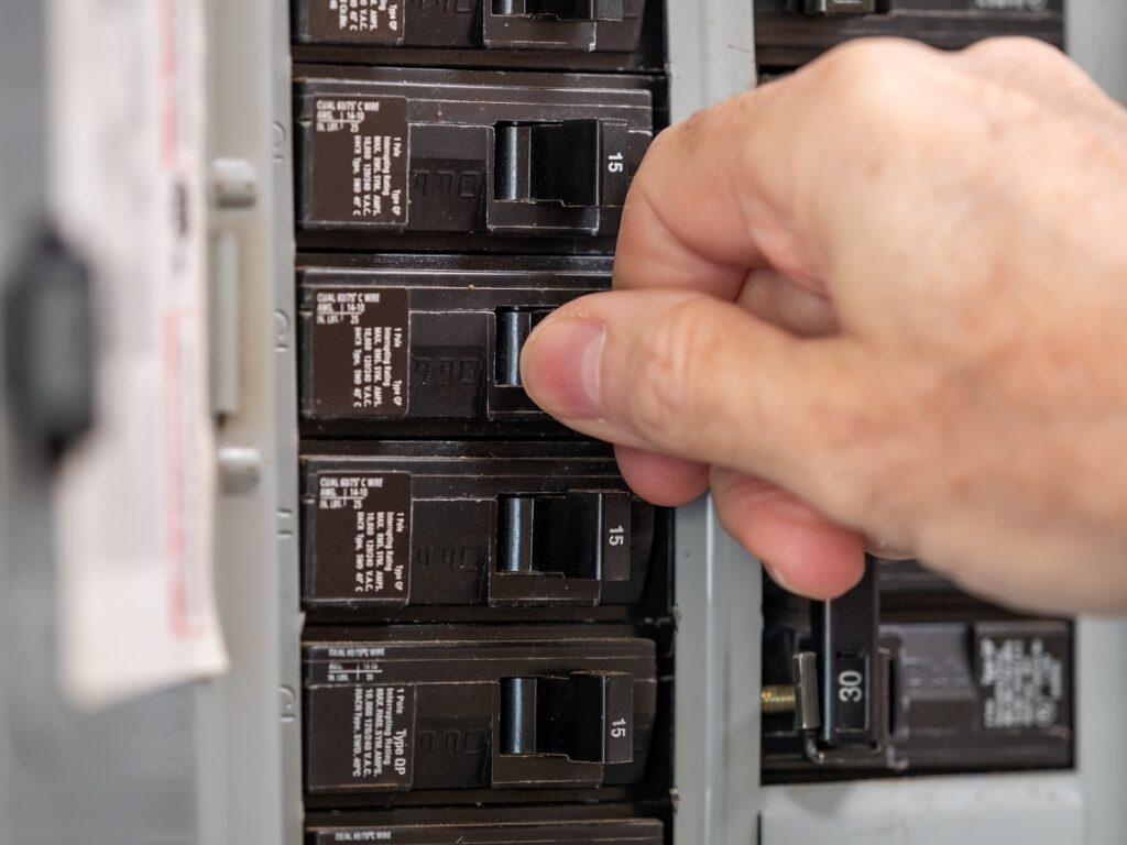 residential electrician MI